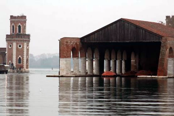 Floating Assembly Halls in Arsenale